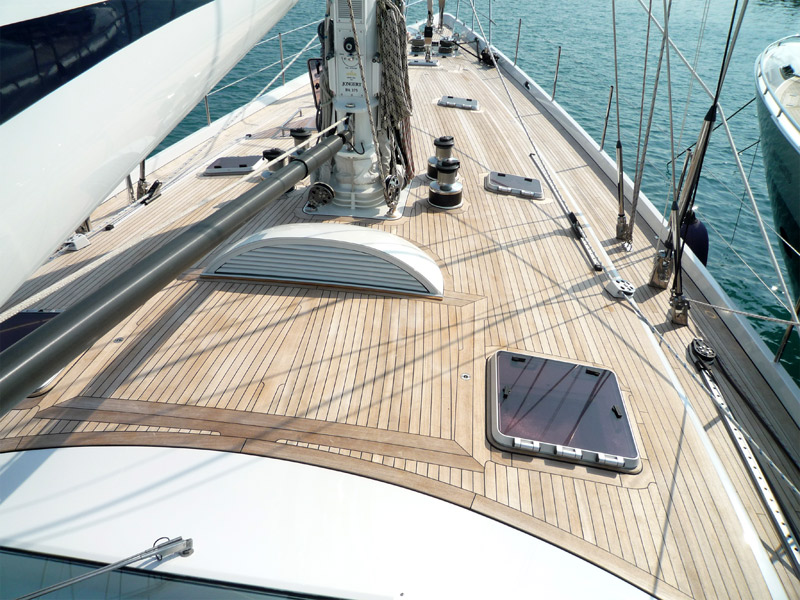 New deck on a sailing yacht